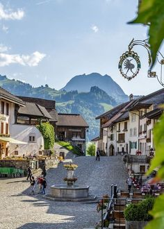Dreierlei Gipfelerlebnisse in Fribourg Region - Reisetipps Places To Travel, Places To See, Travel Destinations, Monte Fuji Japon, Europe Centrale, Travel The World Quotes, Online Travel Agent, Travel Light, Travel Agency