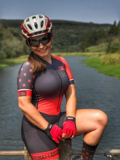 Bicycle Women, Bicycle Girl, Chicks On Bikes, Cycling Girls, Sporty Girls, Biker Girl, Cycling Outfit, Girls Jeans, Sports Women