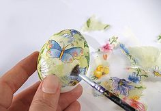 Decoupage Eggs (tutorial), Easter & Spring Crafts