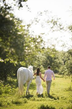 Horseback Riding Engagement Session | photography by http://aislinnkate.com