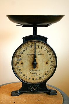 Antique kitchen scale, for measuring blue berries (or raspberries, or strawberries, or something!) on my U-Pick farm.