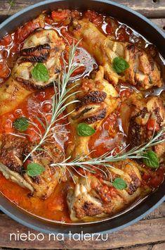 Szybki przepis na bardzo dobry obiad, udka z kurczaka w pomidorach curry, zdrowe danie fit dla osób na diecie, dzieci i dorosłych Snack Recipes, Cooking Recipes, Healthy Recipes, Frango Chicken, European Dishes, Good Food, Yummy Food, My Favorite Food, Easy Meals