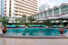 Thailand, Bangkok: På Dusit Thani Bangkok bor du i luksus midt i storbyen, og det er virkelig et smukt og dejligt hotel!