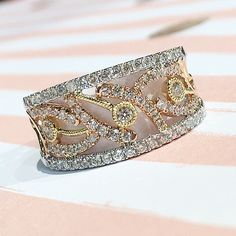Tricolor gold and diamond band