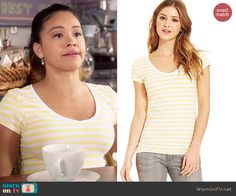Energie Short Sleeve V-Neck Tee in Vibrant Yellow/Bright White Stripe worn by Gina Rodriguez on Jane the Virgin Gina Rodriguez, Jane The Virgin, Junior Year, Pregnancy Outfits, Yellow Stripes, Inspired Outfits, Striped Tee, V Neck Tee, Necklaces