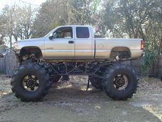 Lifted mud Trucks | Posted by realidades at 1:00 AM