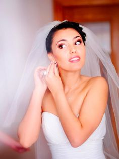 Going to the chapel? Here are the simplest, most fun ways to tone your biceps, triceps, chest, shoulders, and upper back in time for your wedding.