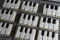 15 Ideas Music Party Theme Food Piano Keys For 2019 Iced Cookies, Cute Cookies, Sugar Cookies, Crazy Cookies, Fancy Cookies, Music Themed Parties, Music Party, Dessert Party, Music Cookies