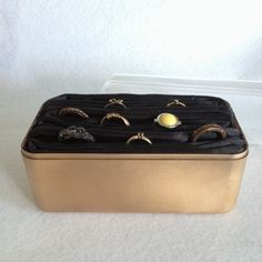 DIY - JOYERO PARA ANILLOS Decorative Boxes, Diy, Wallet, Ideas, Blog, Crafts, Jewelry Storage, Wardrobes, Organizers