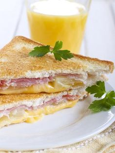 ananas, jambon blanc, beurre, Fromages, pain de mie