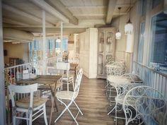 Oggi inizio da qui... #buongiorno #colazione #lapatisserie #breakfast #bakery #beautiful #vintage #colazionetime #gourmet #picoftheday #moments #instafood #instamorning #love #life #delicious #goodmorning