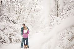 Winter maternity photography - would be gorgeous if it snows!