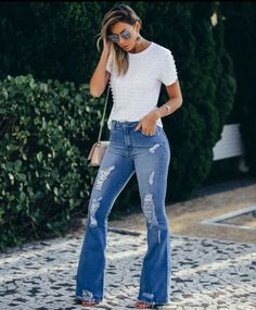 A cala flaire e seu poder de deixar o look ainda mais elegante   #fashion #jeans #lovejeans #ilovemyjeans