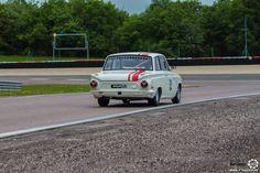 #Ford #Lotus #Cortina au Grand Prix de l'Age d'Or. #MoteuràSouvenirs Reportage complet : http://newsdanciennes.com/2016/06/06/jolis-plateaux-beau-succes-grand-prix-de-lage-dor-2016/ #ClassicCar #VintageCar