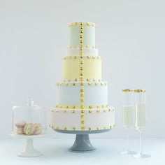 Designed by Toronto baker Lori Hutchinson, this wedding cake is inspired by Valentino!