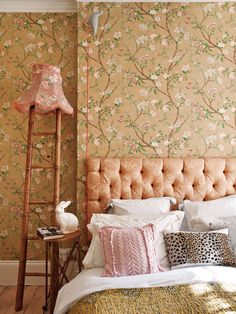 love that design and the headboard!