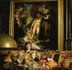 Lord Snowdon - Rudolf Nureyev in his Quai Voltaire, Paris, apartment Ballet Russe, Margot Fonteyn, Male Ballet Dancers, Nureyev, Russian Ballet, Modern Dance, Dance Art, The Chic, Oeuvre D'art