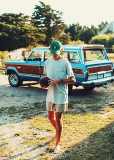Perfectly chill outfit for throwing a ball around with friends, via Azimuth Circle.