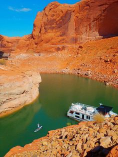 Lake Powell - paddle boarding in 50 Mile Canyon    #Paddleboardshop #paddleboard #paddleboarding