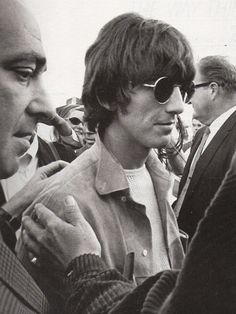 George is definitely not just a face in the crowd (1968)