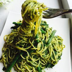 The spinach avocado spaghetti with mini asparagus  Here's a must try gluten free dairy free oil free salt free heavenly pasta dish I used corn pasta because I find that it hard to get brown rice pasta al dente So basically for the pasta sauce I steamed 4 cups of spinach and blended that up with 1 ripe avocado a squeeze of lemon juice and abit of the pasta water to thin out the consistency! I also added in some steamed mini asparagus later on:) So easy to make and seriously so delicious…