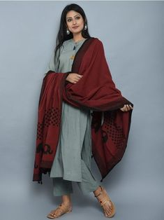 Olive Green Maroon Cotton Kurta and Pants with Block Printed Dupatta- Set of 3 Simple Kurta Designs, Kurta Designs Women, Choli Designs, Indian Attire, Indian Wear, Pakistani Outfits, Indian Outfits, Casual Indian Fashion, Indian Designer Suits