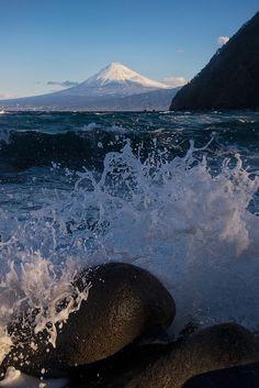 Fujisan from Ita, Izu Peninsula | by Yuga Kurita