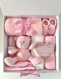 Fantastic new baby girl starter gift box full of gorgeous essential items for a baby girl. Baby Girl Gift Baskets, Baby Gift Hampers, Kids Gift Baskets, Baby Shower Gift Basket, Baby Gift Box, Baby Box, Baby Girl Gifts, Baby Shower Gifts, Baby Presents
