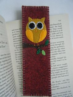 felt owl bookmark for Smith Fabric Crafts, Sewing Crafts, Sewing Projects, Bookmarks For Books, Felt Bookmark, Felt Owls, Book Markers, Owl Crafts, Felt Patterns