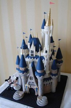 DW's Cinderella's Castle.....Cake with Mickey & Minnie