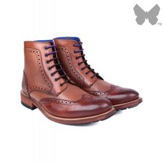 Ted Baker Men's Sealls Brogue Boots - Tan The charming Sealls Brogue Boots combine smooth and textured leather for a unique appearance, and feature traditional brogue detailing for a classic look. Durable and hard-wearing, the boots are crafted from supp Men's Boots, Combat Boots, Hard Wear, How To Wear, Country Attire, Tan Guys, Men's Footwear, Brogues, Classic Looks
