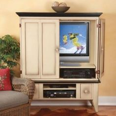 Southern Pine Flatscreen TV Cabinet With 2 Drawer Media Base
