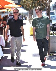 Tim Roth Shops in Hollywood with his son http://icelebz.com/events/tim_roth_shops_in_hollywood_with_his_son/photo1.html