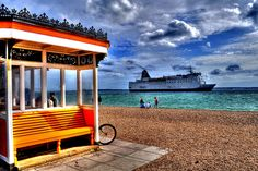 Southsea beach, from where you can watch the ships coming into Portsmouth Harbour Portsmouth Harbour, Portsmouth England, Uk Board, Hampshire Uk, Uk Beaches, Visit Uk, New Forest, South Seas, Isle Of Wight