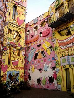 The Happy Rizzi House, where pop-art ant cartoons mix to form a very unique architectural design. Built by architect Konrad Kloster, Happy Rizzi House is one of the most important monuments in Braunschweig, Germany.    Located on the ruins of a ducal palace, Happy Rizzi House is a big hit with both children and adults.