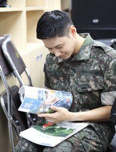 Shinee Albums, Shinee Taemin, Korean Star, Monologues, Kpop Boy, Listening To Music, South Korean Boy Band, Taeyong, Baekhyun