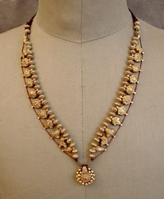 India | Antique Koolhapur (Maharastra State) traditional gold (usually 22k)…