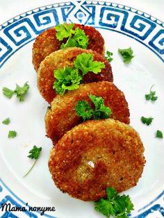 Galette de quinoa (vegan) - Environs 200 gr de quinoa - 1 cube de bouillon de légume - 3 C à S de fécule de maïs - 3 c à s de farine - du sel et du poivre - persil haché Vegetarian Cooking, Healthy Cooking, Healthy Snacks, Vegetarian Recipes, Healthy Recipes, Healthy Takeaway, Go Veggie, Veggie Recipes, Plat Vegan