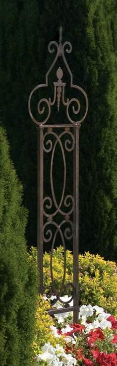 H Potter Metal Garden Scroll Trellis Wrought Iron. Delicately curving lines make the Garden Scroll Trellis a focal point of any garden. Vines & roses meander up Metal Garden Trellis, Iron Trellis, Garden Entrance, Garden Arbor, Garden Gates, Obelisk, Metal Yard Art, Garden Wedding Decorations, Flowering Vines