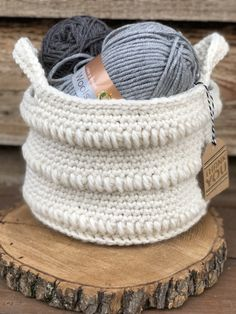 Crochet Purses Patterns The Roundabout Basket FREE Crochet Pattern – Teagan And Lu Crochet Shell Stitch, Bead Crochet, Free Crochet, Crochet Purse Patterns, Crochet Basket Pattern, Crochet Baskets, Knitting Patterns, Crochet Handbags, Crochet Purses