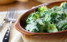 Brócoli con salsa de queso | Brócoli PasiónBrócoli Pasión
