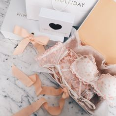 Lingerie Rosa, Pink Lingerie, Pretty Lingerie, Luxury Lingerie, Beautiful Lingerie, Lingerie Photography, Flat Lay Photography, Looks Com Short Jeans, Underwear Packaging