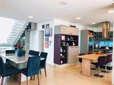 Lar doce lar 👨👩👧🏡Do vídeo tour qual foi o seu cantinho predileto? Decor, Furniture, Apartment Goals, House, Room Interior Design, Decor Design, House Styles, Home Decor, Furniture Design