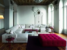 Large sectional sofas will be very good in your large living room, which work best for accommodating more family members while gathering. Living Room Modern, Home And Living, Living Spaces, Style At Home, Luxury Furniture, Home Furniture, Large Sectional Sofa, Modern Sectional, Couch