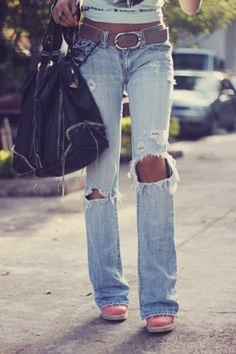 I love ripped jeans. I want all my jeans and shorts like this.