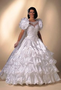Wedding dresses have been playing a major part in the bridal world. Beautiful Wedding Gowns, Dream Wedding Dresses, Beautiful Bride, Bridal Dresses, Beautiful Dresses, 1980s Wedding Dress, Southern Belle Dress, Vintage Bridal, Satin Dresses