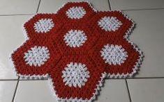 Tapete Simples Em Crochê – Material e Vídeo Blanket, Crochet, Carpet Ideas, Crochet Carpet, Bonito, Ganchillo, Blankets, Cover, Crocheting