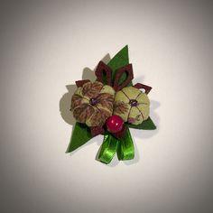 Adorable petite broche en fleurs de tissus