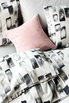 Urban Retreat.  | H&M Home Baby Pink Aesthetic, Aesthetic Bedroom, Pastel Interior, Modern Interior Design, Nordic Home, H&m Home, Big Girl Rooms, Dream Decor, New Room