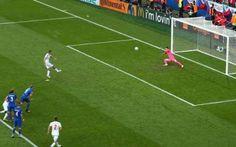 Video highlights Croazia-Rep. Ceca 2-2 (Euro 2016) Il secondo  gol non getta nello sconforto la Rep. Ceca che  riesce a rientrare i n partita con un bel gol di di Skoda che di  testa anticipa l'intervento  difensivo Corluka. L'assist è delizioso, a   #euro2016